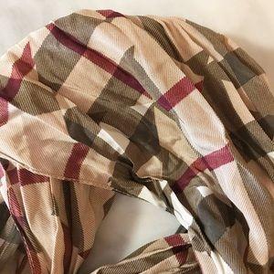 Auth Burberry Large NovaCheck Crinkle Scarf / Wrap